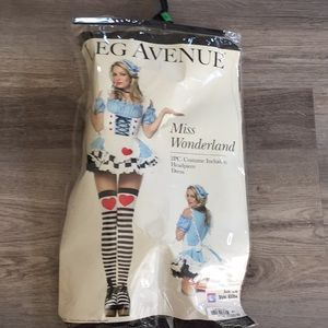 Miss Wonderland Halloween Costume Large